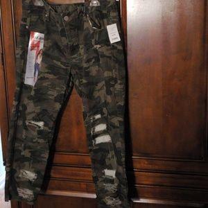 V.I.P. Shreddded Camo Jean's
